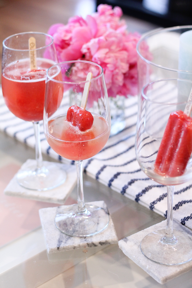 The perfet cocktail recipe for Galentine's Day with the girls